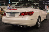 2015 convertibile di e 350 mercedes-benz all'interno della contea arancia — Foto Stock