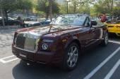 Rolls-Royce convertible on display — Stock Photo