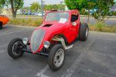 Fiat Topolino Drag Racer classic car on display — ストック写真