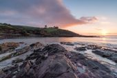Sunrise at Talland Bay Beach — Stock Photo