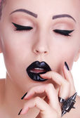Beauty Fashion Model Girl with Black Make up, Long Lushes. Dark — Stock Photo