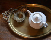 Teapot and  accessories — 图库照片