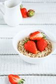 Cereals with fresh berry — Stock Photo