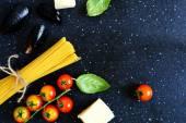 Spegeti med grönsaker — Stockfoto