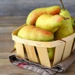 Ripe pears in a box — Stock Photo #57631673