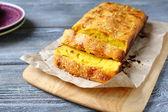 Slices of pound cake with lemon — Stockfoto