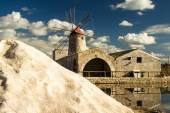 The salt pans of Nubia near Trapani (Sicily). — Stock Photo