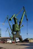 The shipyard cranes — Stock Photo