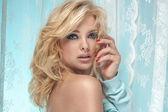 Beautiful blonde woman posing — Stock Photo