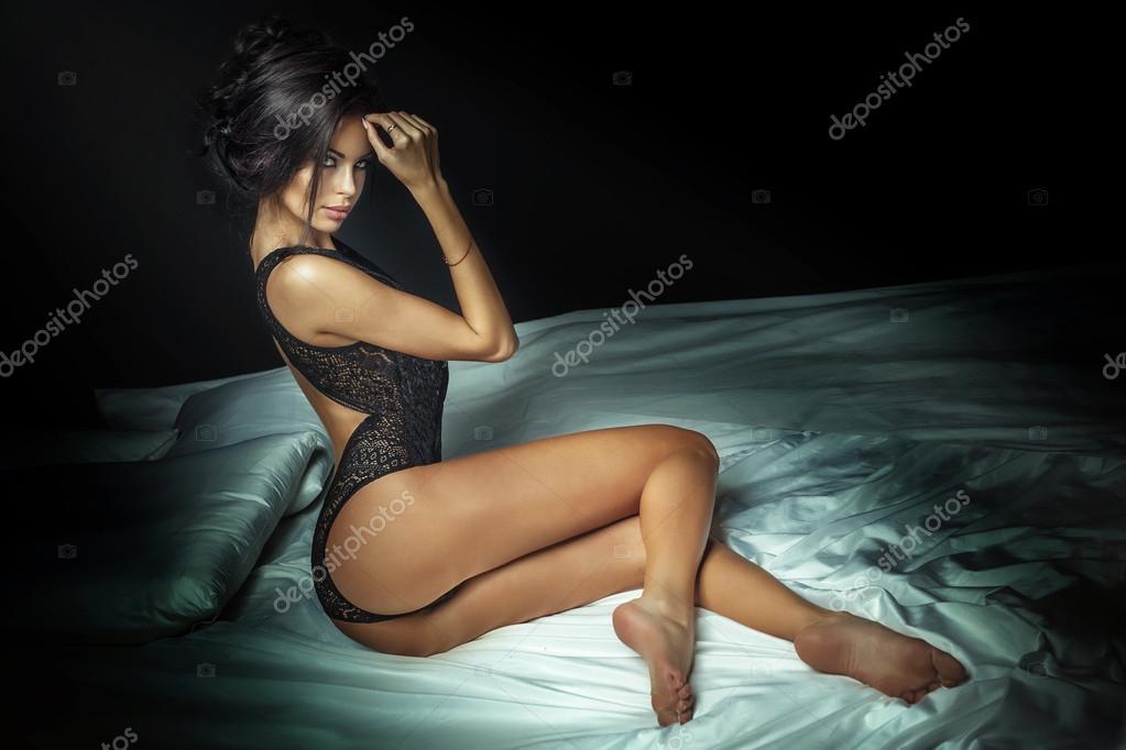 фото красивых девушек брюнеток с пышным телом