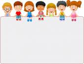 Happy smiling group of kids showing blank placard board — Vector de stock