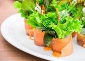 Salmon organic vegetable roll — Stock Photo