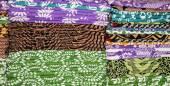 Printed shawls on sale — Stockfoto