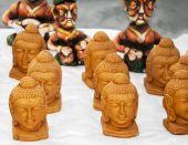 Buddha statues on sale — Stock Photo