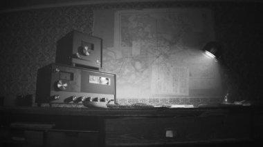 Vintage Old Radio On Desk — Stock Video