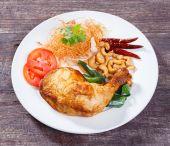 Pollo frito con hierba de la citronela — Foto de Stock