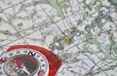 Bussola e mappa. — Foto Stock