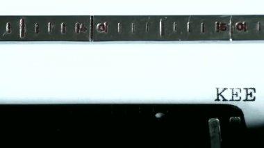 Typewriter. Typing text: keep off — Stock Video