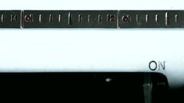 Typewriter. Typing text: on my way — Stock Video