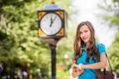 Woman waiting boyfriend — Stock Photo