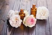 Aroma oil with roses — Zdjęcie stockowe