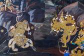 Bangkok, Thailandia - 19 dicembre: wat phra kaew a bangkok, Tailandia il 19 dicembre 2014. pitture murali lungo la parete interna del tempio ritrae la storia della saga epica ramayana — Fotografia Stock