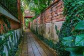 Walkway of a thai garden — Stock Photo