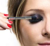 Eyeshadows. Eye shadow brush — Stock Photo