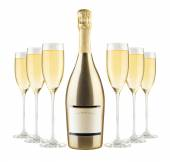 Beautiful picture of a bottle of champagne — Stock Photo