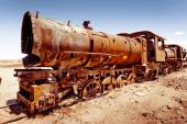Rusty old steam train in Bolivian desert — Stock Photo