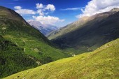 Mountain valley in summer time — Stock Photo