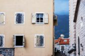 Old city Budva windows and walls, Montenegro — Stock Photo