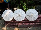 Reis-papier-umbrellaes, die in der natur getrocknet — Stockfoto