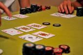 żetonów i kart do gry w pokera — Zdjęcie stockowe