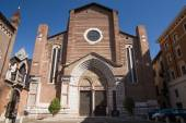 Interior and exterior Cathedral of St. Anastasia in Verona — Stock Photo