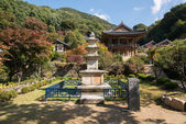 YEONGJU, KOREA - OCTOBER 15, 2014: stone pagoda in Buseoksa — Foto de Stock