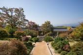 YEONGJU, KOREA - OCTOBER 15, 2014: Entrance of Buseoksa Temple — Stok fotoğraf