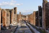 NAPLES, ITALY - JANUARY 19, 2010: Street of pompeii — Stok fotoğraf