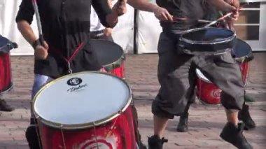 Trummisar, trummor, musiker — Stockvideo