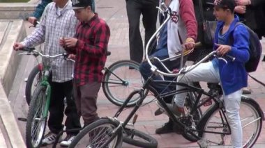 People Riding Bicycles, Bikes, Cycling, Transportation — Stock Video