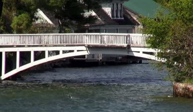 Pedestrian Bridge, Commuters — Stock Video