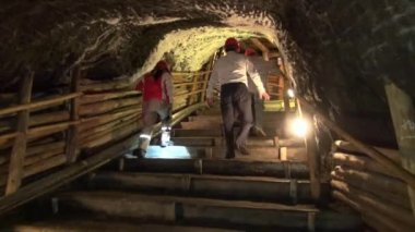 Mines, Mineshafts, Tunnels, Caves, Caverns — Stock Video