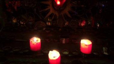 свечи, воск, огонь, свет — Стоковое видео