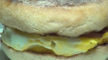 Egg McMuffin, Breakfast Sandwich, Meals — Stock Video