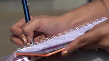 Schrijven, Pen, potlood, papier — Stockvideo