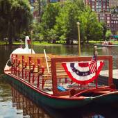 Swan boats at the Boston Public Garden — Stok fotoğraf