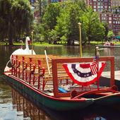 Swan boats at the Boston Public Garden — Stock fotografie