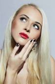 Beautiful blond Woman with Manicure. Tender Beauty Girl. Nail design — ストック写真