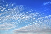 Sky with small clouds — Stock Photo