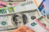 Euro ve dolar banknotlar — Stok fotoğraf